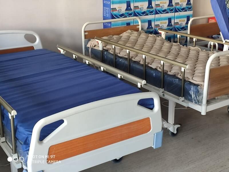 2 motorlu lazımlıklı hasta yatakları