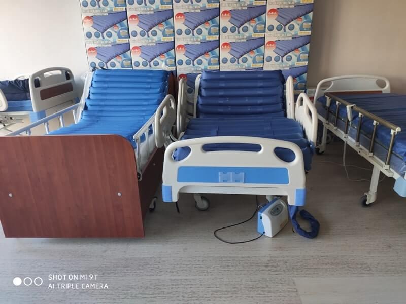 Standartları yüksek hasta yatakları