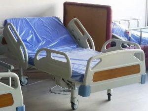 Dual motorlu hasta yatağı